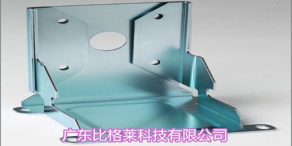 锌酸盐镀锌光亮剂应用时工件镀层粗糙,镀液锌碱浓度失调是主要原因