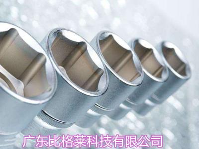 使用镀铬添加剂的过程中忱,镀层发灰发花的原因